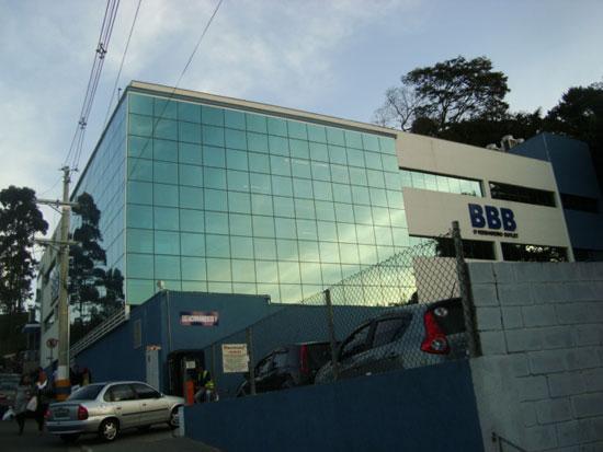 A loja BBB Outlet em Embu das Artes