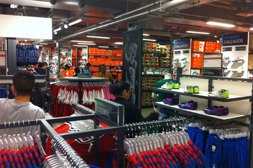 Outlet Nike Shopping Light vale a pena?